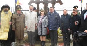 Depuneri de flori – Cimitirul de Onoare al ostaşilor români din Vărzăreşti