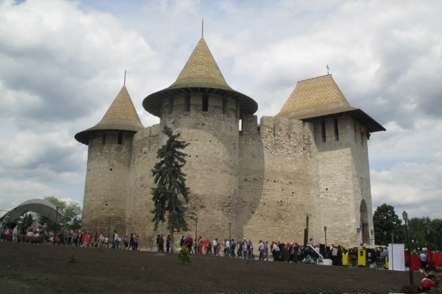 Cetatea Sorocii 2