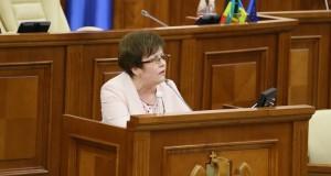 """Maria Ciobanu: De acum încolo, Igor Dodon va înmâna """"megdalii"""" fără să se """"diorgăie"""", iar Pavel Filip va veghea la menținerea """"stabilețului"""""""